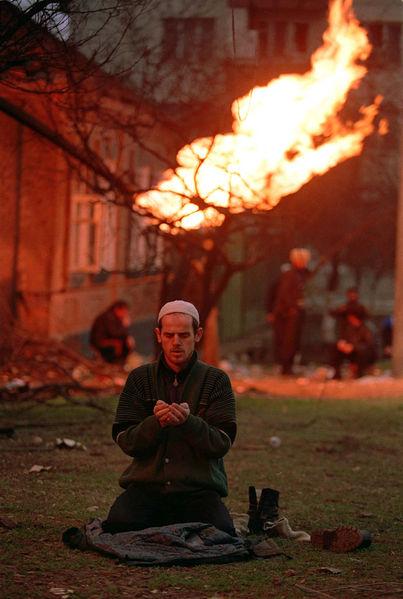 403px evstafiev chechnya prayer - vtipný obrázok - Kalerab.sk