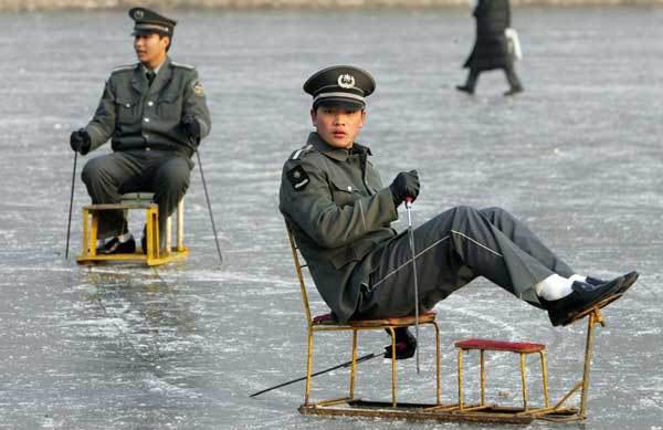 cool military fun - vtipný obrázok - Kalerab.sk