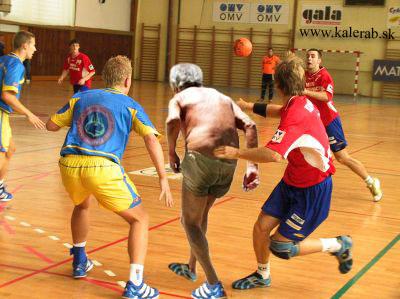 futbal - vtipný obrázok - Kalerab.sk
