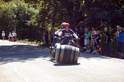 wine barrel bikes 03 - vtipný obrázok - Kalerab.sk